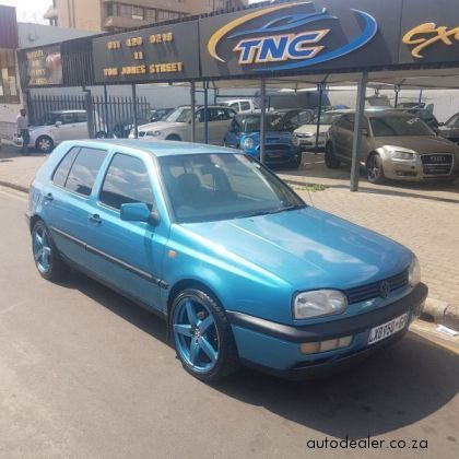 Price And Specification of Volkswagen Golf 1.6 For Sale http://ift.tt/2fFM7cg