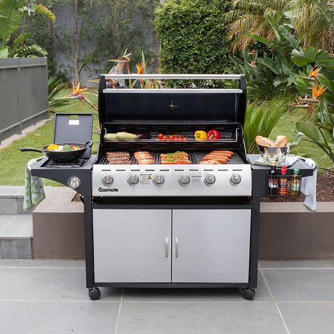 The Gasmate Portsea BBQ has contemporary styling and unique features make this large size BBQ ideal for entertaining. #outdoorliving #gasmate #bbq #stainless #6Burner #grill