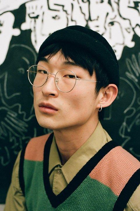 Künstler und Model Sang Woo Kim eröffnet Show über Identität