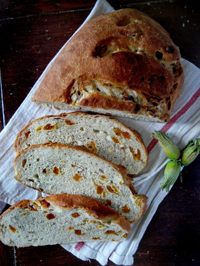 Make this...eat a huge still cooling slab of it with a large mug of tea and know that life is, indeed, good :). Another Alex Willow Harvey triumph