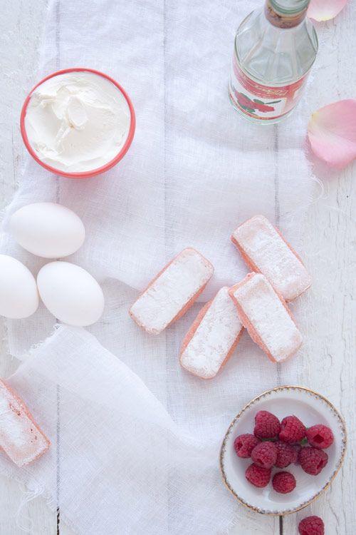 Vous ne trouverez pas que du champagne du côté de Reims bien au contraire ! Goûtez aux délicieux petits biscuits rose de Reims ! #biscuits #recette #Reims