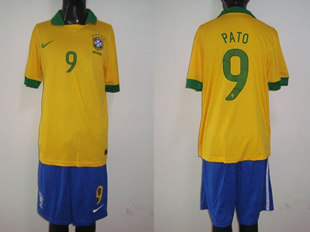 $25 for 2013-2014 Brazil away 9# Alexandre Pato Soccer Jersey. Buy Now! http://hellodealpretty.com/13-14-Brazil-away-9--soccer-jersey-productview-159658.html #Pato #jersey