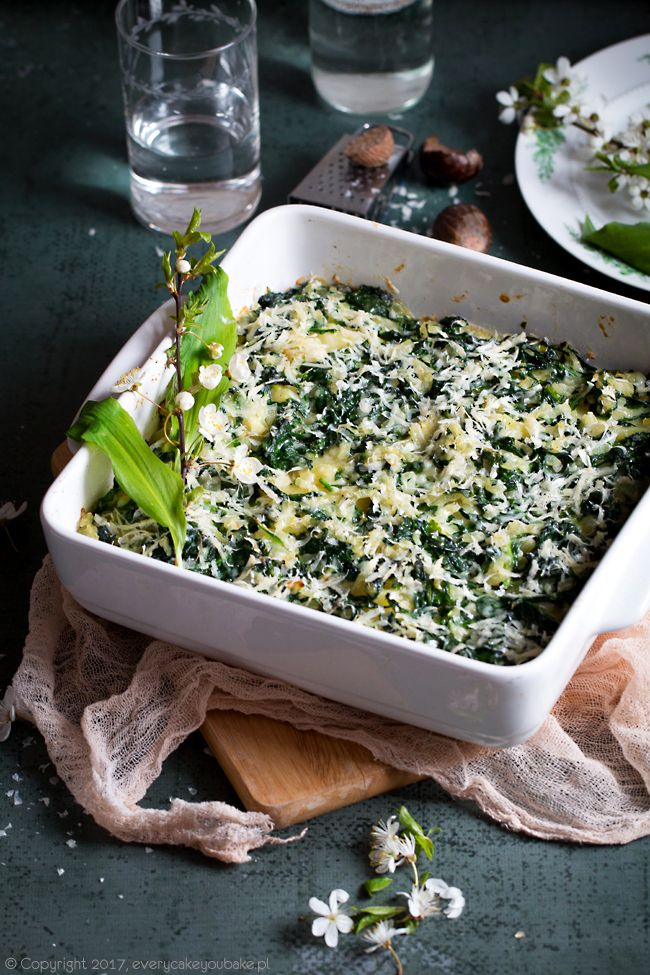Zapiekanka ziemniaczana z czosnkiem niedźwiedzim, potato, spinach and wild garlic casserole #zapiekanka #czosnekniedzwiedzi #casserole #potato #ramp #wildgarlic