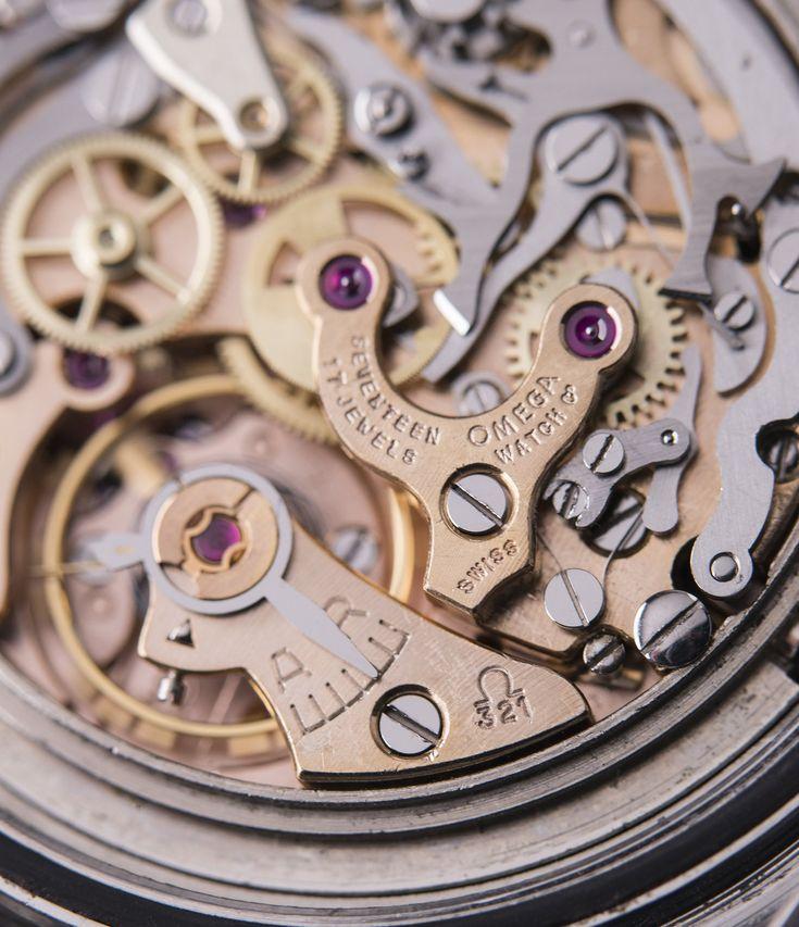 Cal. 321 column-wheel chronograph in Omega Speedmaster Pre-Professional Ed White 105.003 steel vintage watch