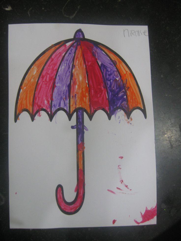 Paraplu verven (deze is gemaaktdoor kind van twee met oorstokjes geverfd)