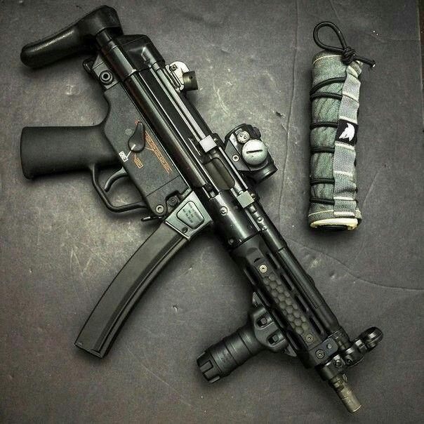 H&K MP5 Find our speedloader now! http://www.amazon.com/shops/raeind
