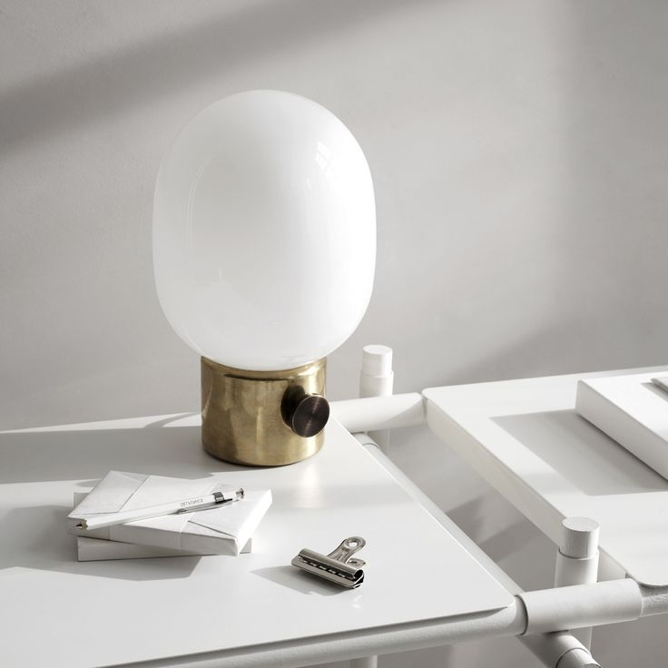 Inspired By The Oil Lamps Used In Older Times, The JWDA Metallic Table Lamp  Updates