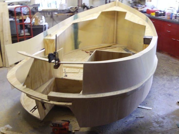 Mini tugboat | Boats | Tug boats, Wooden boat plans, Diy boat