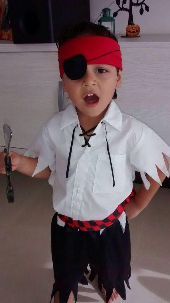 mottoparty Piratenkostüm | Thunder Chunk in 2019 | Pirate