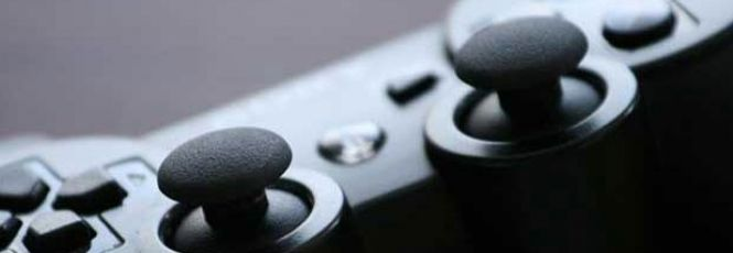 Bastou um mês para o Xbox 360 perder o posto de console mais vendido no Brasil. Após fabricação nacional, PlayStation 3 agora é o videogame mais comprado em todo o paísApenas um mês após o início das vendas do Playstation 3 produzido no Brasil e com redução de 40% em seu preço, a comercialização do