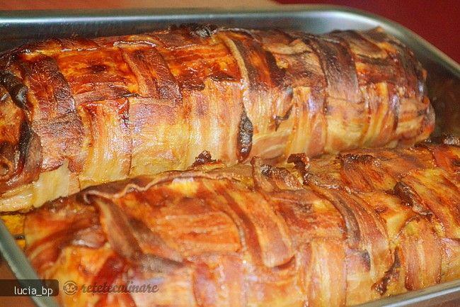 Reteta culinara Rulada Festiva de Carne, la Cuptor din Carte de bucate, Fripturi. Specific Romania. Cum sa faci Rulada Festiva de Carne, la Cuptor