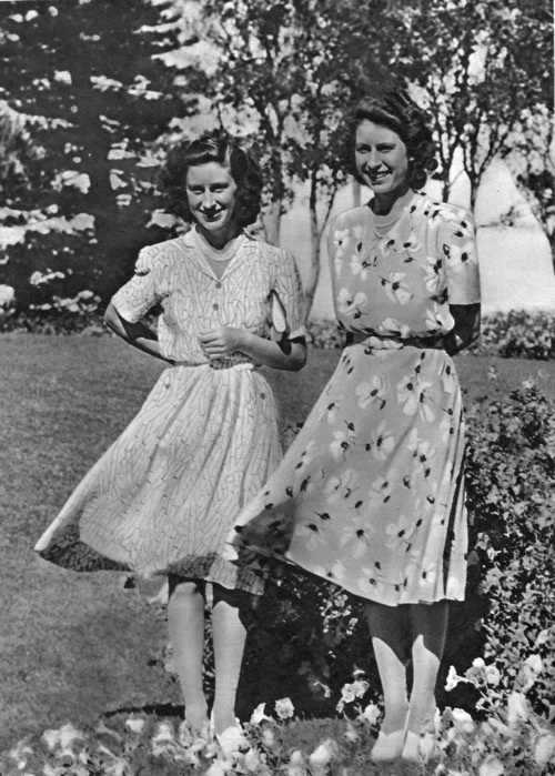 princesses margaret and elizabeth as just 2 young happy