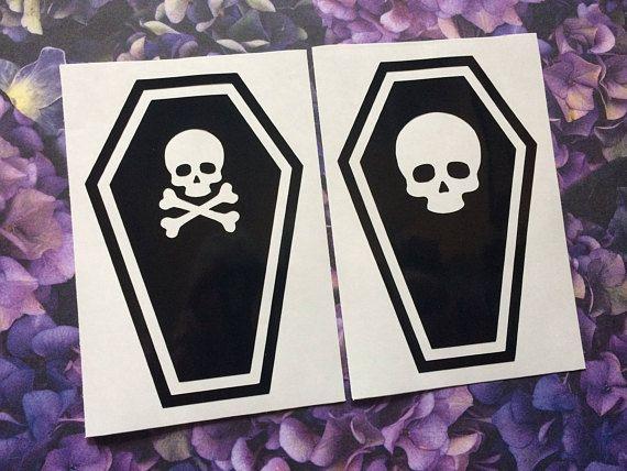 Amazon Com Wall Sticker Vinyl Decal Skull Swords Gothic Scary Creepy Cool Decor Z2492 Home Kitchen