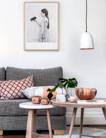 Tanto na moda quanto no design de interiores, a cada ano, novas cores surgem como a grande aposta da temporada. Em 2015, o Rosé Gold se tornou o tom queridinho dos europeus para a decoração de suas casas e, graças ao Pinterest, em 2016 se popularizou pelo resto do mundo também, ganhando inclusive o gosto dos brasileiros.