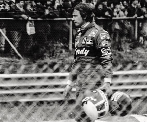 Zolder, May 8, 1982. Pironi must have been in pieces as he carried his & Villeneuve's helmets back to the pits… #F1