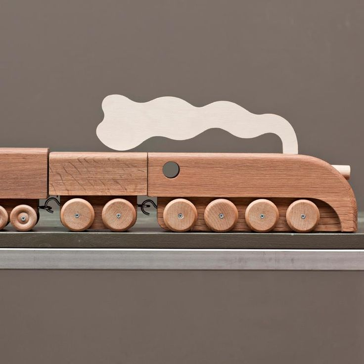 Nice wooden train set //