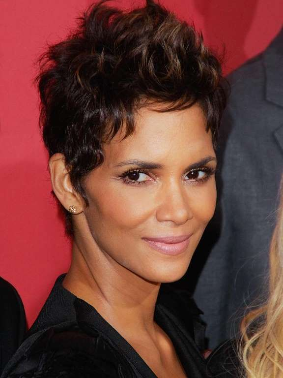 halle berry short haircut best 25 halle berry haircut ideas on halle 1539 | dfe13e9ef94ece49628ea6a33da87ac8 halle berry haircut halle berry hairstyles