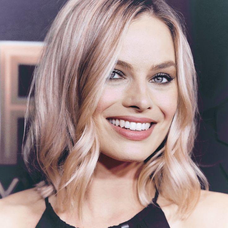 "466 Likes, 3 Comments - Margot Elise Robbie  (@cityofmargot) on Instagram: ""NEW —  More photos of Margot attending the Hollywood Film Awards ✨ | #MargotRobbie #ITonya"""