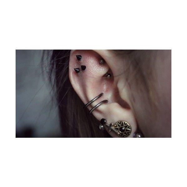 16 Maneras NUEVAS de usar Piercings en las OREJAS ❤ liked on Polyvore featuring accessories, piercings and tattoos and piercings