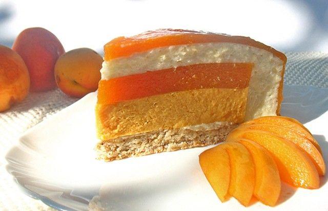 Абрикосово-миндальный торт - Путешествие в мир радужных вкусов