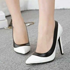 Heels Putih Hitam
