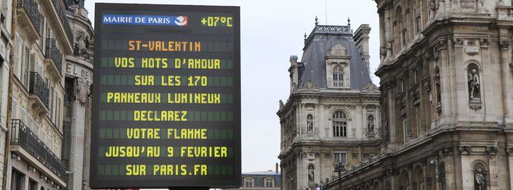 Ecrire son message d'amour pour la Saint Valentin sur les panneaux lumineux de la capitale : une belle idée de Paris !