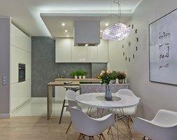 Серый с современным твист - Средняя открытая кухня-строка в дополнительном здании, современный стиль - образ просто дизайн
