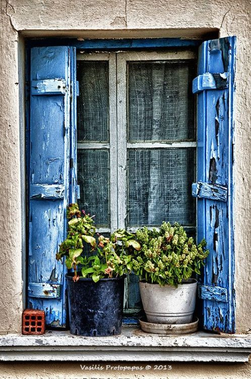 bellasecretgarden: Greek Village House Window (via Pinterest: Discover and save creative ideas)