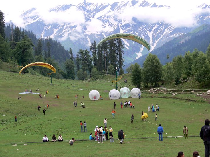 paragliding in solang