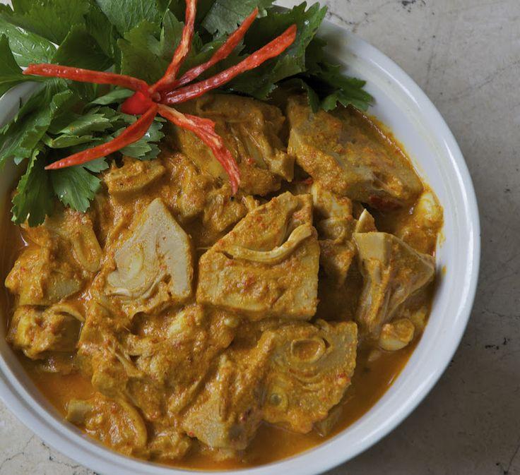 Indonesian Medan Food: Gulai Nangka Pedas ( Spicy Curried Jack Fruit)
