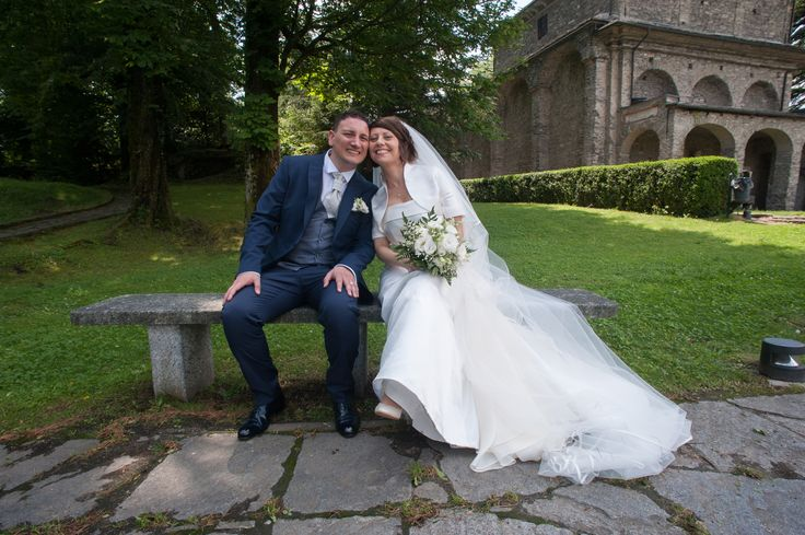 Un racconto da favola quello di Antonella e Giuseppe, che il 13 giugno scorso si sono detti per sempre 'sì'! Bianco e rosa chiaro i colori dominanti, così come l'abito da sposa. Scopri i momenti più emozionanti!