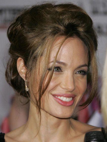 Groovy 1000 Ideas About Angelina Jolie Short Hair On Pinterest Short Hairstyles For Black Women Fulllsitofus