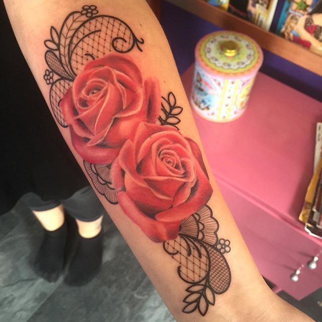 by Clair Obscura | Groningen   #tattoo #roses #lace #color