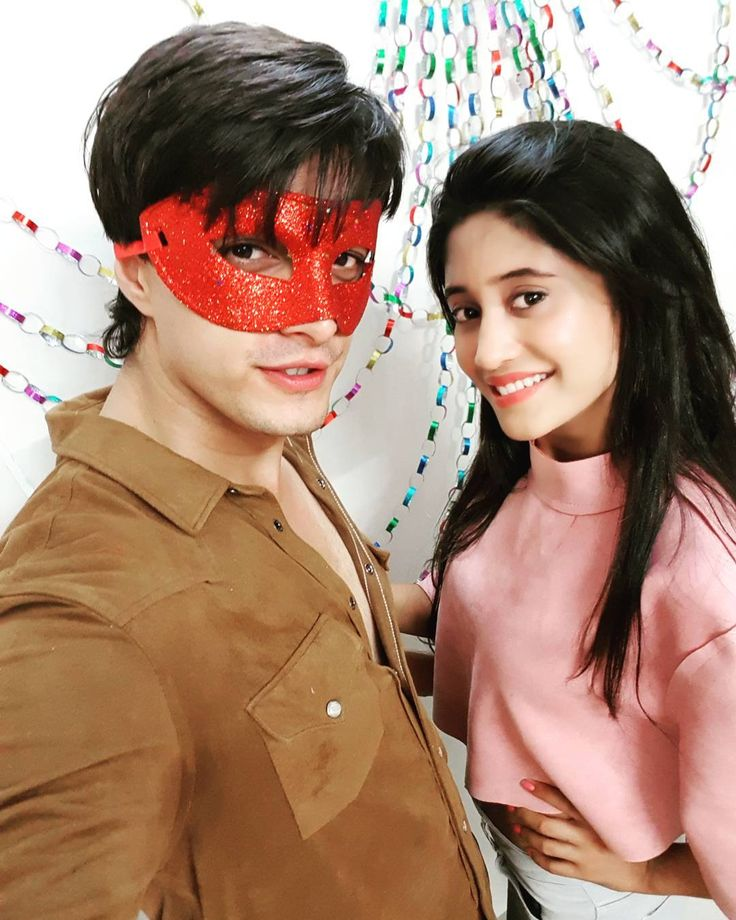 """On our way to #350episodes Inshallah. Luvkush turns 8.. #yrkkh #shivin #kaira"""