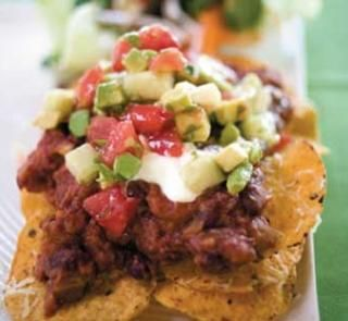 Spicy bean nachos