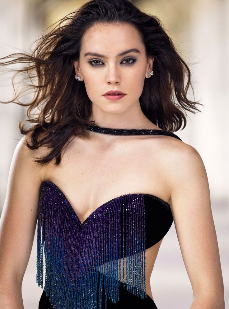 Daisy Ridley She looks better without trying to look good  I came here to say the same thing. Stop trying to make her look sexy and just let her be her unbelievably cute self.   Too much make-up?  ...
