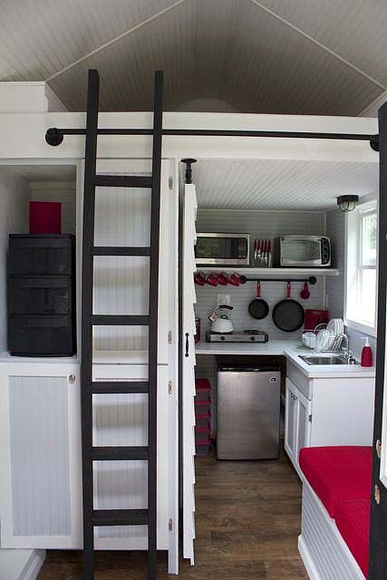 Tennessee Tiny Homes ~ wow so much fit into a tiny teeny space & it has everything you need to & more!