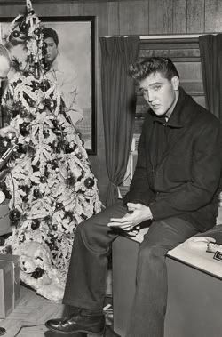 Elvis Presley Christmas Photo:  This Photo was uploaded by kpilkerton. Find other Elvis Presley Christmas pictures and photos or upload your own with Pho...