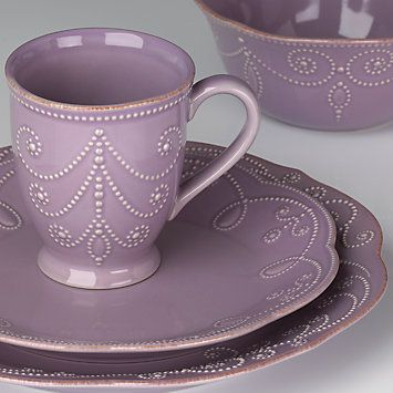 French Perle Violet 4-piece Dinnerware Place Setting by Lenox #lenoxweddingcolors