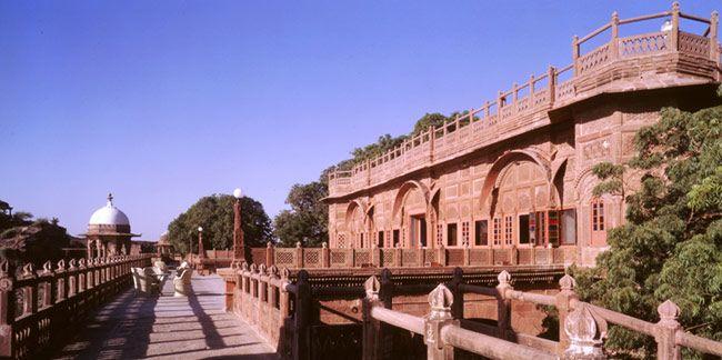 Welcom Heritage Bal Samand Lake Palace