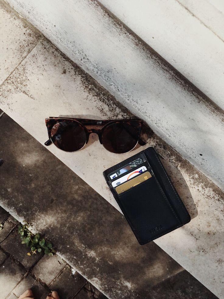 NEAL Slim Wallet is the best choice for stylish men (and women)! #slimwallet #giftforhim #travelsizewallet #menwallet #frontpocketwallet #menswear #menstyle #minimalwallet #frontpocketwallet