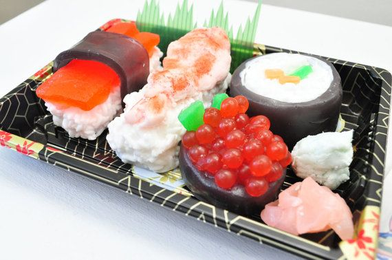 Sushi Soap Gift Set - Vegan Soap - Ginger Fizz Scented - Shrimp, Maki, Roe, Tuna in a real Sushi Take out Box