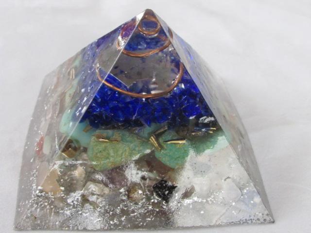 Loja virtual hospedada no facebook...ambiente seguro http://nova-loja-67wkx.lojaintegrada.com.br/orgonite-piramide-queops-tamanho-g…
