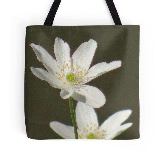 Two cute, white flowers tote bag by fotosbykarin @ Redbubble #flowers #two #white #blackandwhite #pretty #bags #totebags #fotosbykarin #Redbubble #KarinRavasio #kravasio