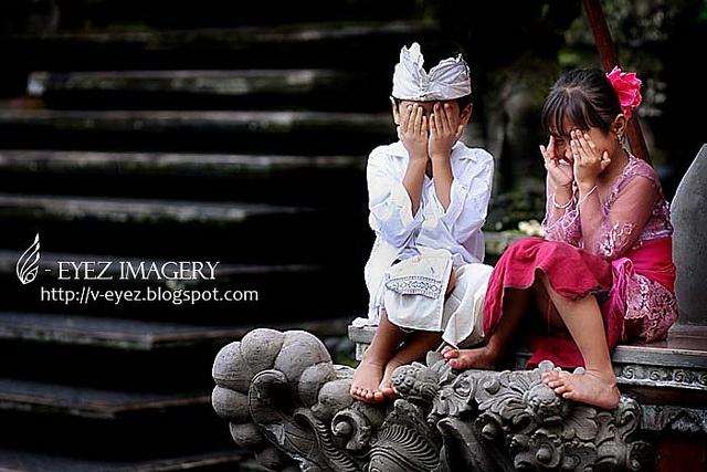 Ubud, Bali, Indonesia - a lovely town filled with lovely people photography by Visithra - http://v-eyez.blogspot.com    V-Eyez Imagery on Facebook  http://www.facebook.com/veyezimagery