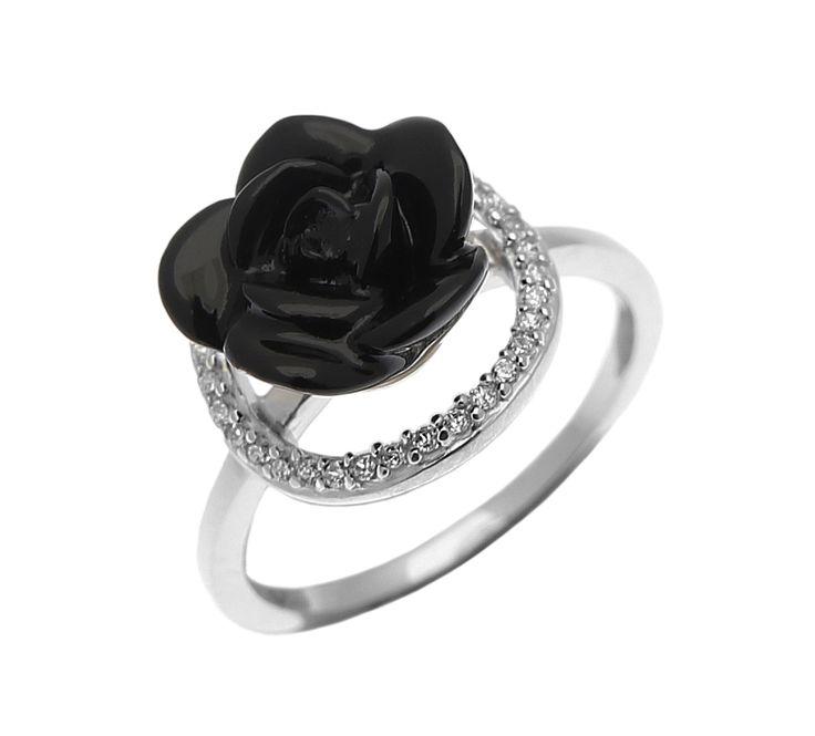So beautiful!!! <3  http://www.silver4you.gr/rings/378--925.html