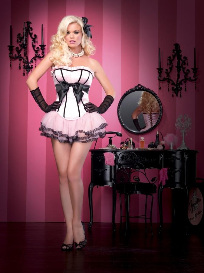 Burlesque Showgirl