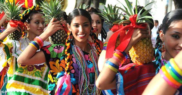 Este jueves inició la semana cultural Oaxaca y la Guelaguetza, que se celebrará hasta el próximo 31 de este mes en el Parque 5 de Mayo de la capital chiapaneca, con una muestra gastronómica, danza, música y todo el colorido de las tradiciones que distinguen al vecino estado. De acuerdo con los organizadores de esta […]
