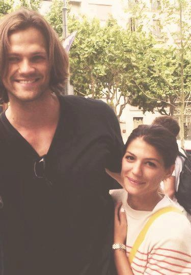 Jared and Genevieve Padalecki. The height difference... so cute!!!