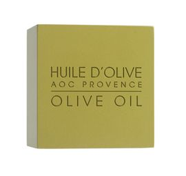 This soap covers you in creamy lather. Enriched with olive oil, it washes your skin with mildness and leaves it pleasantly scented!The secret of AOC provence olive oil: Yves Rocher has selected an authentic, extra virgin olive oil from the Provence region.  This aromatic oil with beneficial richn...